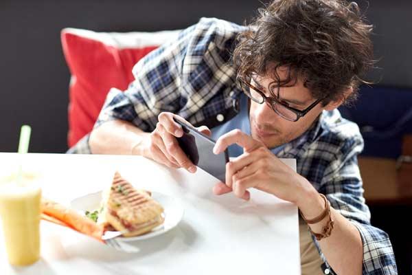 social media addiction symptoms