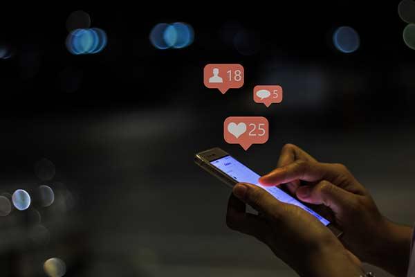 social media phone mfine