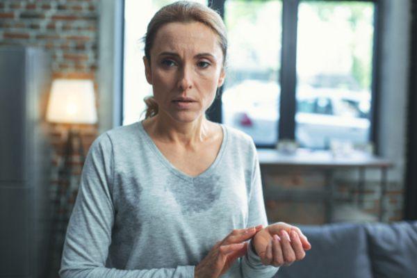 hot flashes menopause mfine
